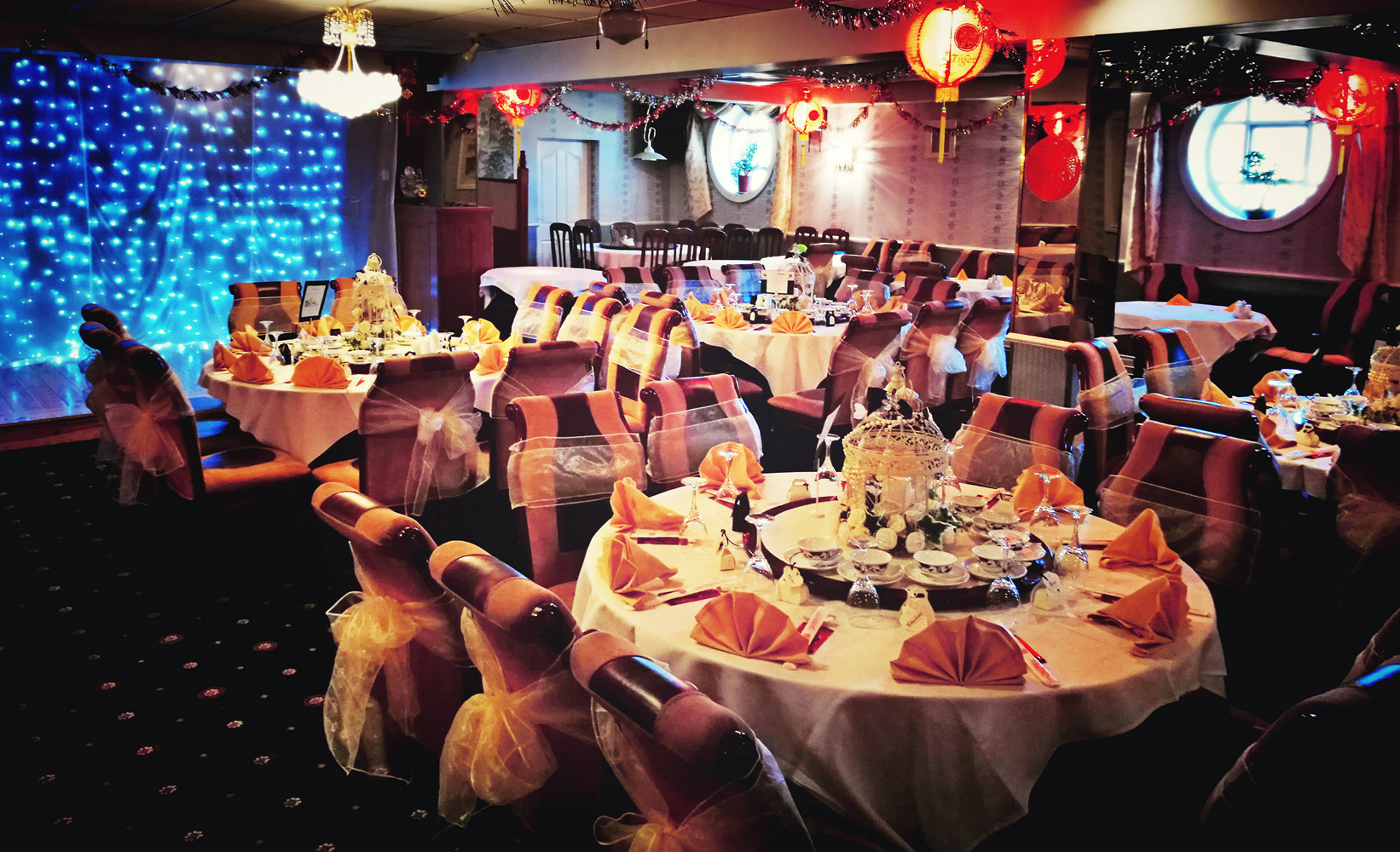 Seat up to 170 Guest, we take bookings for Company Party, Christmas Party, Wedding Receptions, Family Party, Birthday Party, Private Dinning, Charity Party,